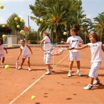ejercicios-de-iniacion-al-tenis-para-niños